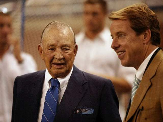 lions owner william clay ford sr passes away. Black Bedroom Furniture Sets. Home Design Ideas