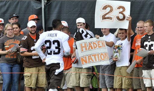 Haden has the fans in Cleveland wrapped around his finger. Manziel should listen to his pointers. Photo  - AP/David Richard