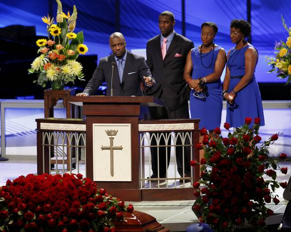 Former Cowboys Players Attend Robert Newhouse 39 Funeral