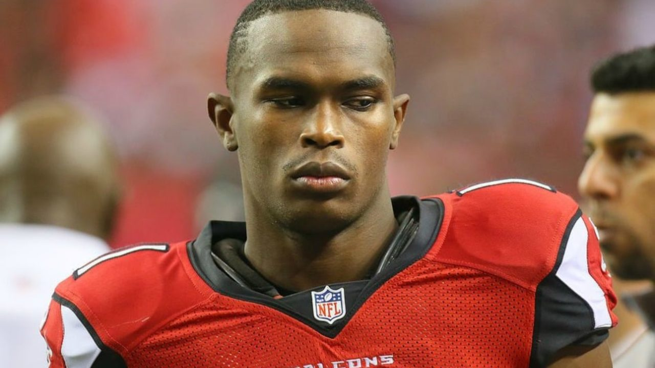 Julio Jones Lost 100k Diamond Earring In Lake Paid Diving Team To Search For Lost Treasure