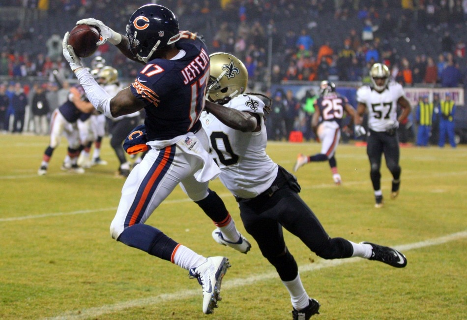 USA Today Images — Bears receiver Alshon Jeffery catches a touchdown pass against the Saints