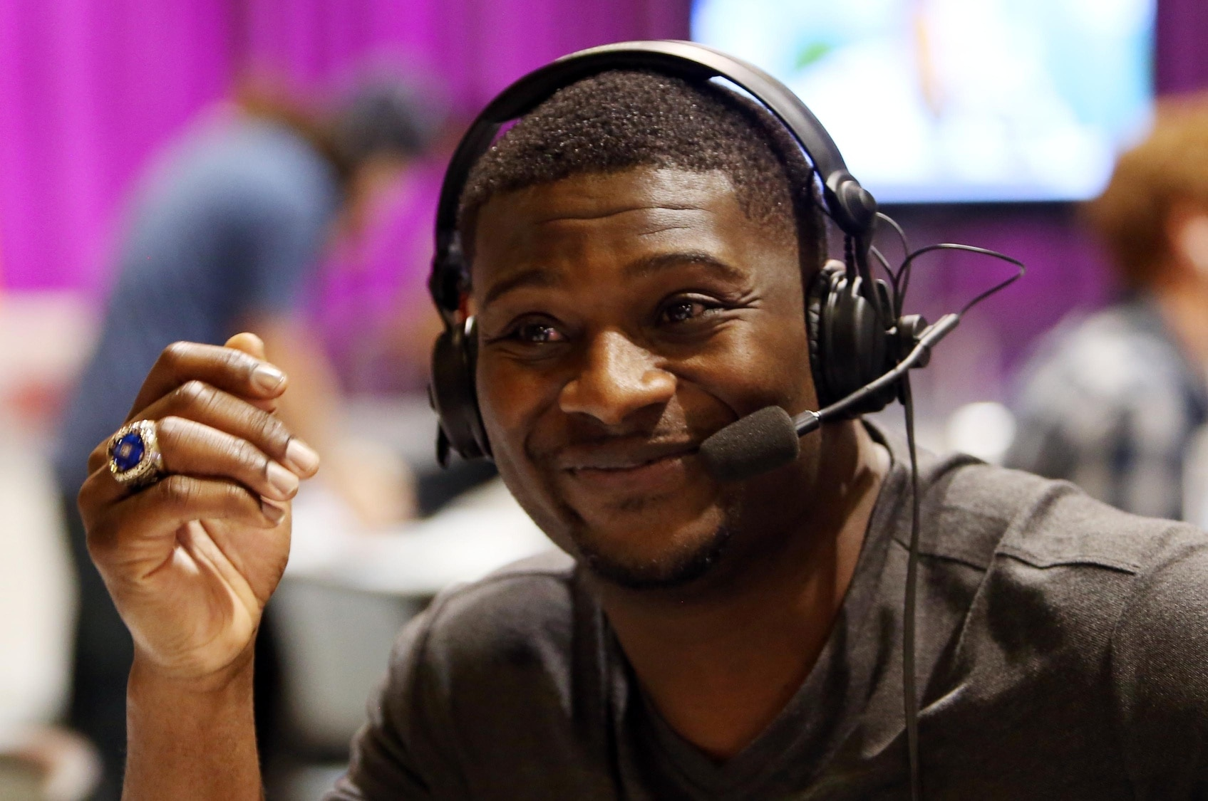 Ladainian Tomlinson Picks Old Fb Lorenzo Neal To Present
