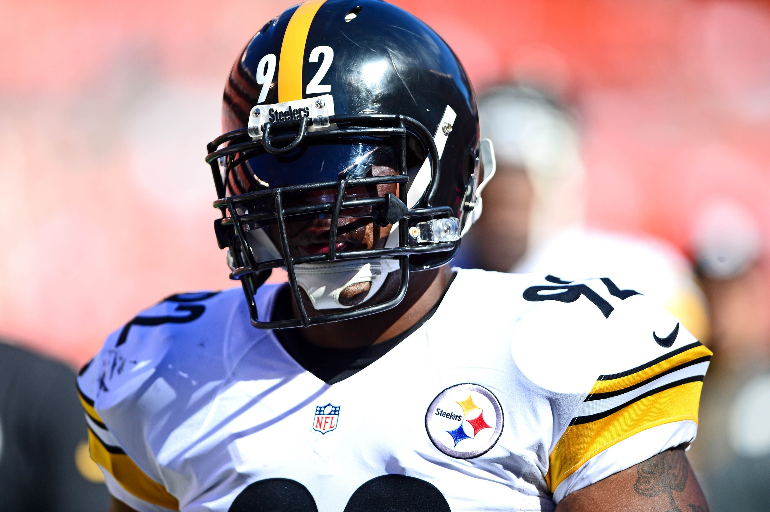 Watch Steelers' 37-Year-Old LB James Harrison Bench 500 Pounds