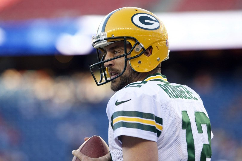 Packers: Aaron Rodgers isn't answer for rushing woes