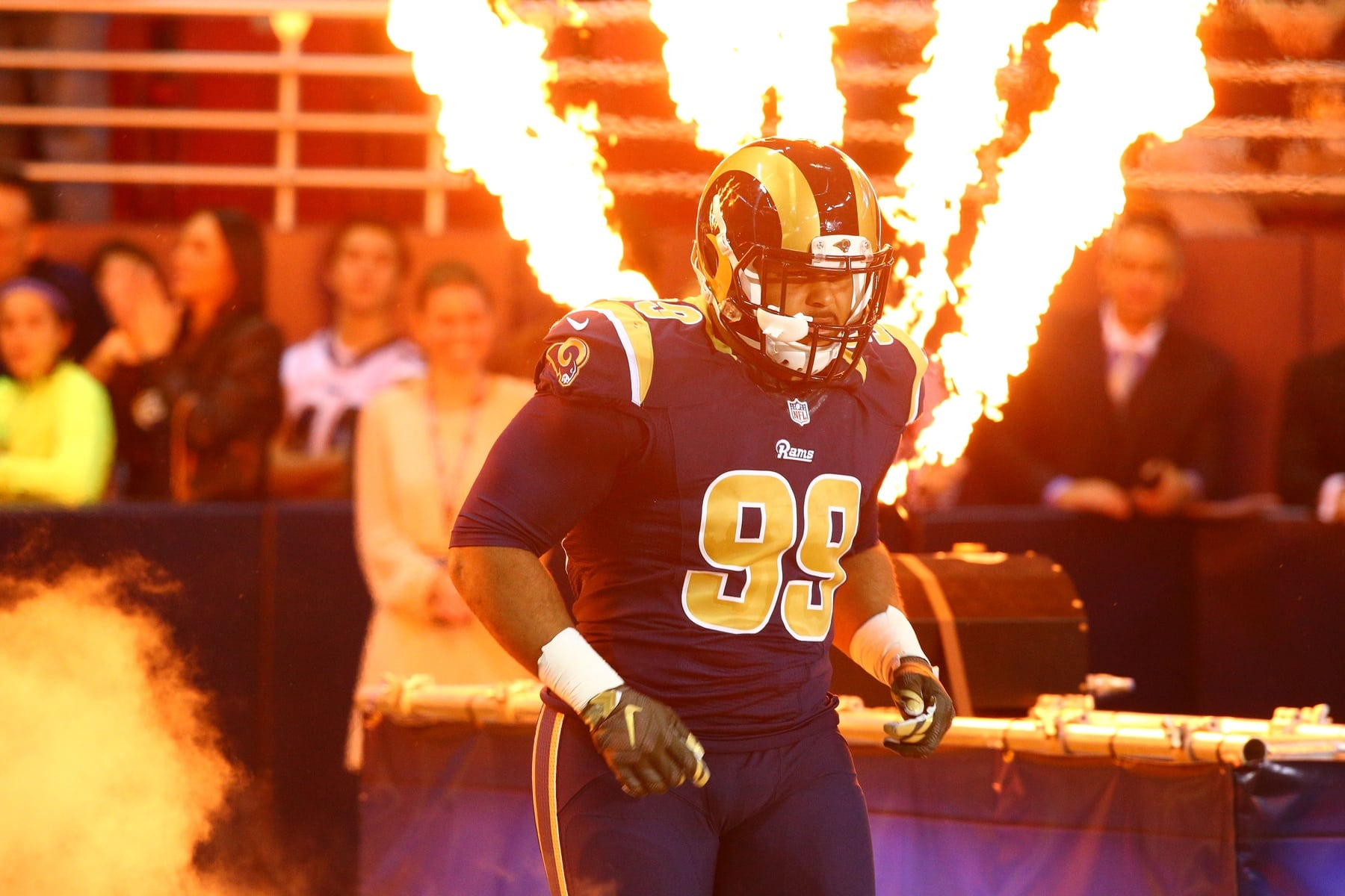 Watch Aaron Donald Shows Off Freaky Physique Sportsnaut