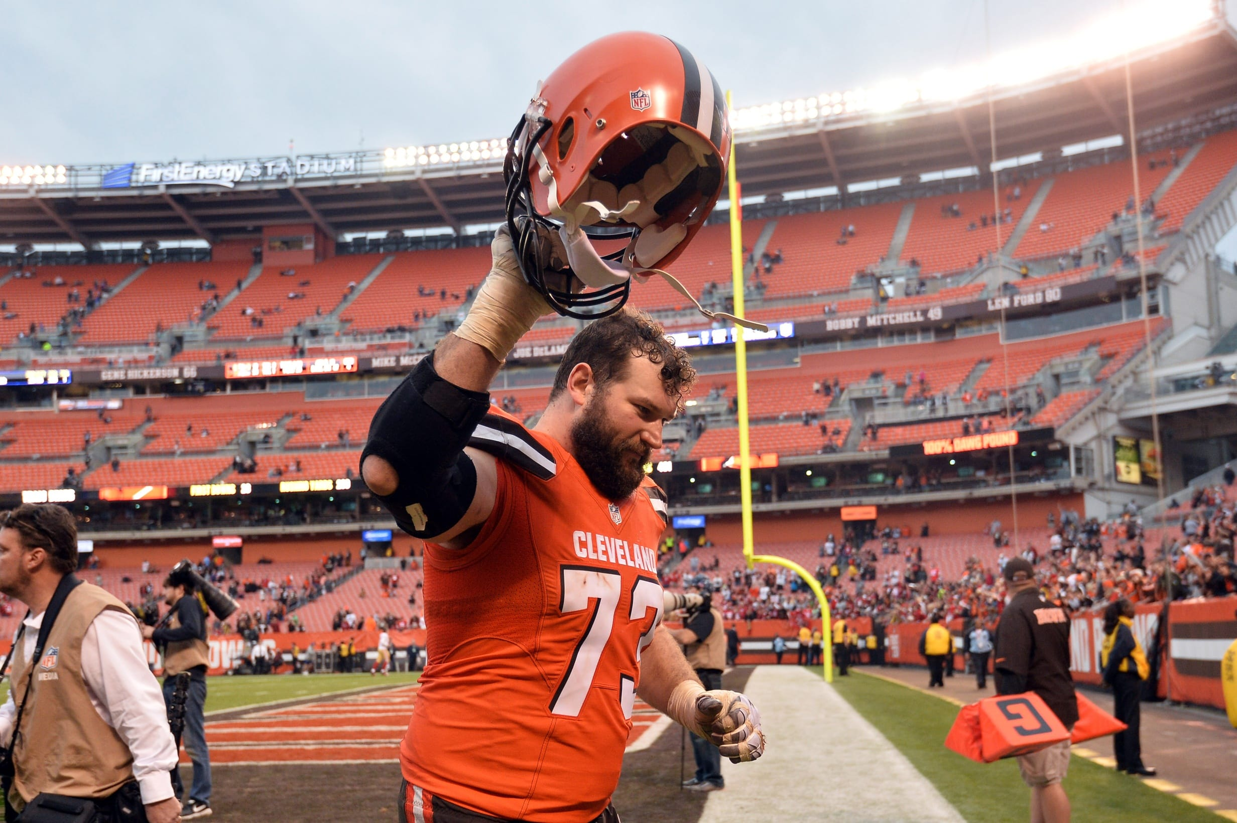 Joe Thomas blasted United Airlines