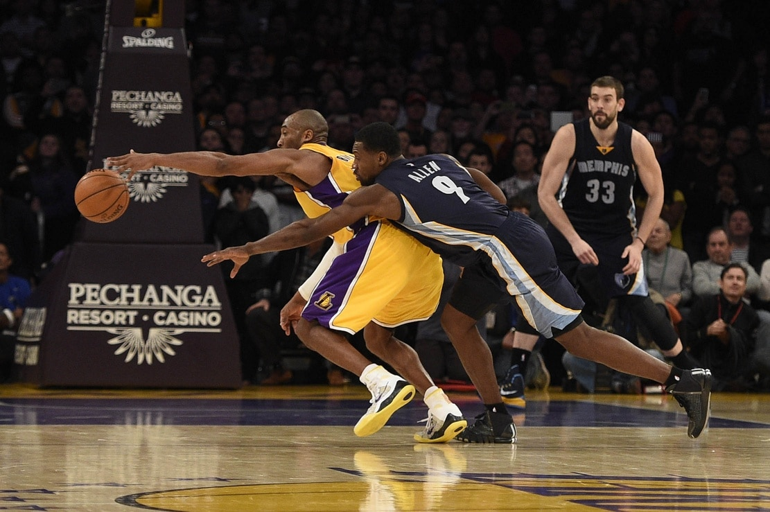 e6628fd9cb0 Kobe Bryant gives signed shoes to Tony Allen   Best defender I ever ...