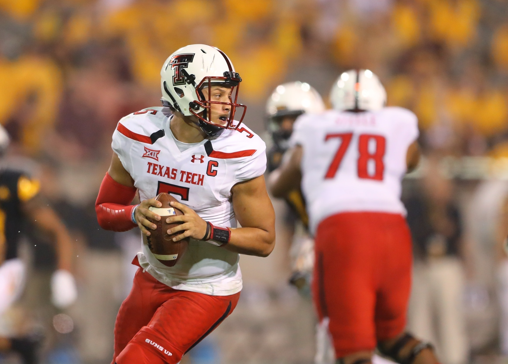 5b9d828dbee Patrick Mahomes breaks FBS record for most yards in a game