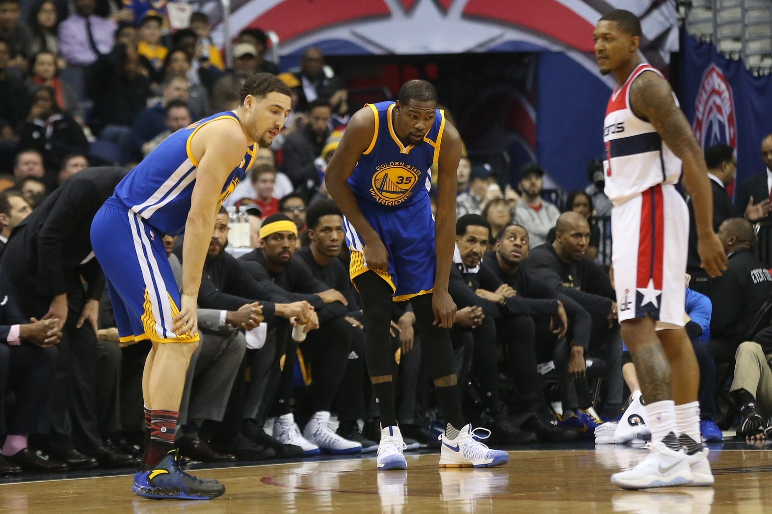 Feb 28, 2017; Washington, DC, USA; Golden State Warriors forward Kevin Durant (35) holds his knee after being injured against the Washington Wizards in the first quarter at Verizon Center. Mandatory Credit: Geoff Burke-USA TODAY Sports