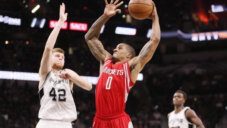 Gary Payton II is signing with the Bucks on a two-year deal