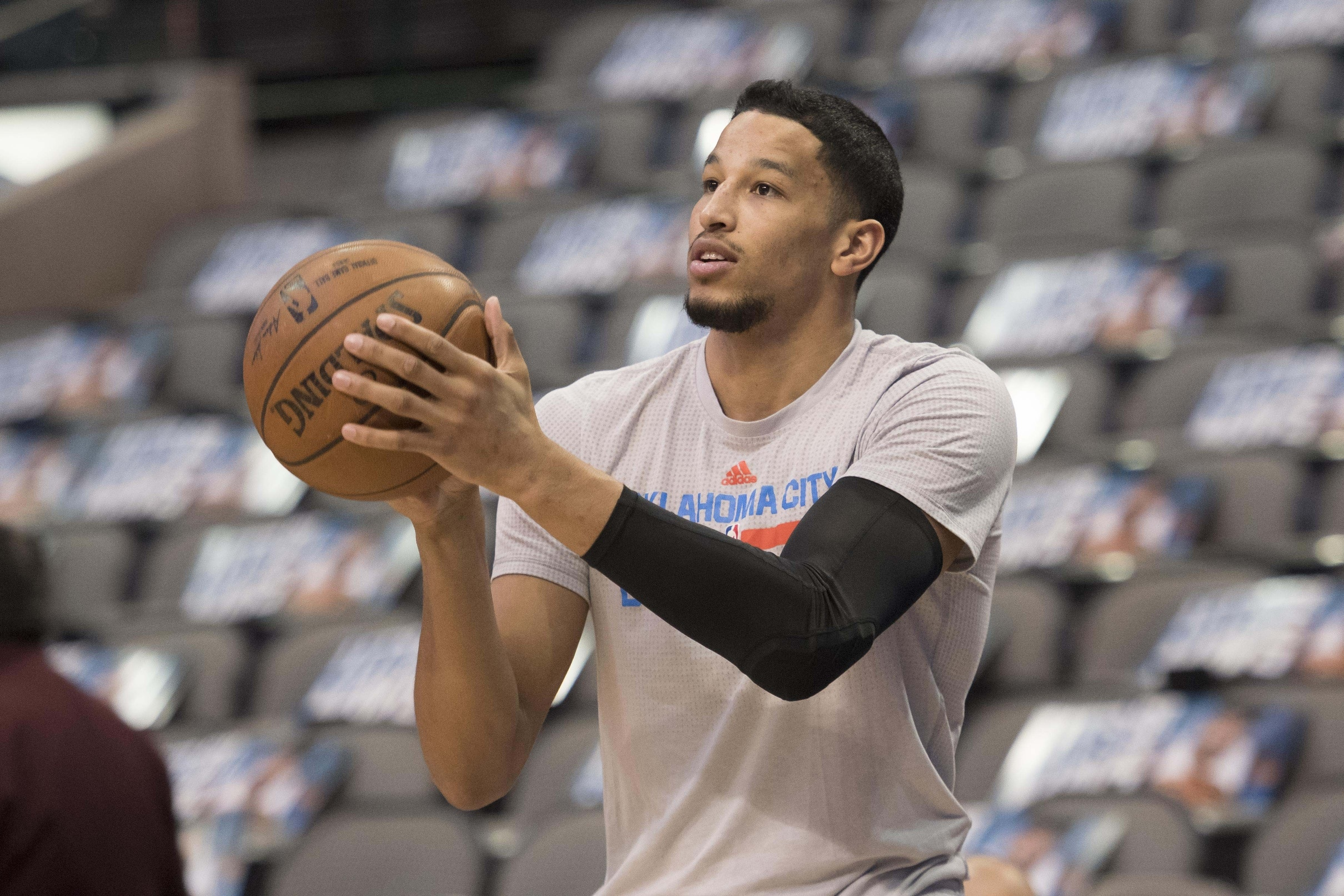 Mar 27, 2017; Dallas, TX, USA; Oklahoma City Thunder forward Andre Roberson (21) warms up prior to the game against the Dallas Mavericks at the American Airlines Center. Mandatory Credit: Jerome Miron-USA TODAY Sports