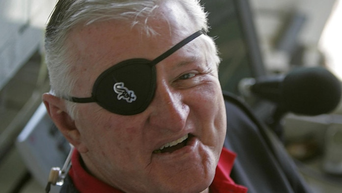 Long-time White Sox announcer Hawk Harrelson to retire.
