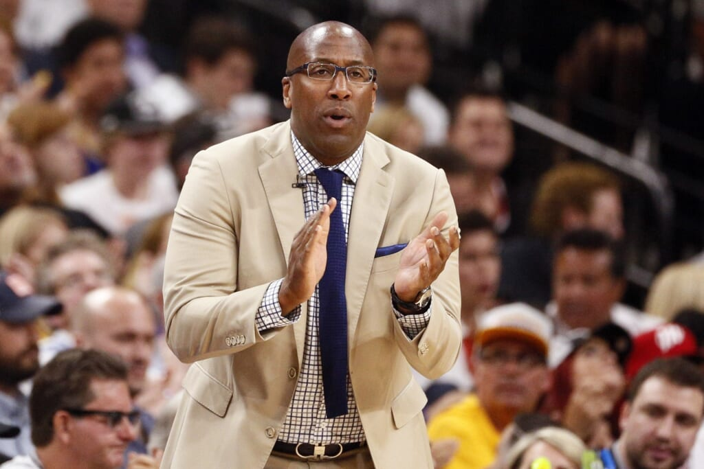 Mike Brown of the Warriors will be going up against his old team in the NBA Finals.