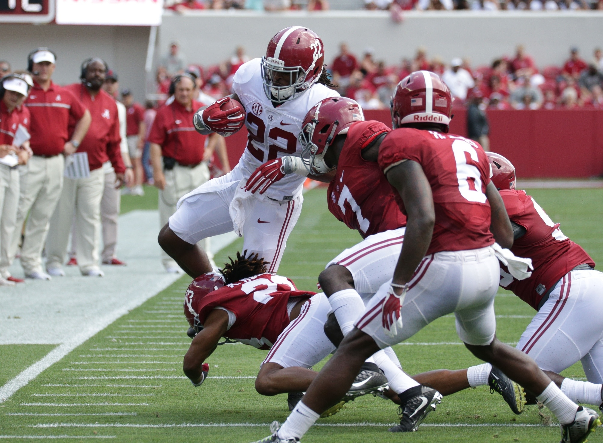Najee Harris is an among the impact college football freshmen set to dominate in 2017