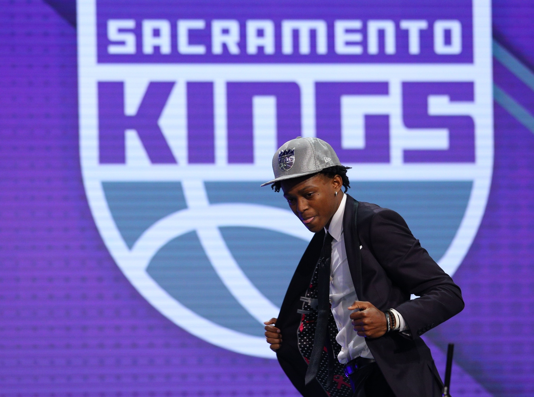 Kings make it right, add De'Aaron Fox fifth overall.