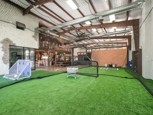 Mansion with indoor soccer field  Dodgers' OF Andre Ethier sells near $5 million Arizona mansion