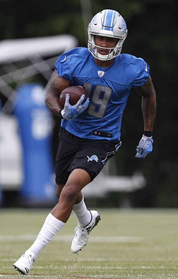 Look at this awesome TD catch from Lions rookie Kenny Golladay.