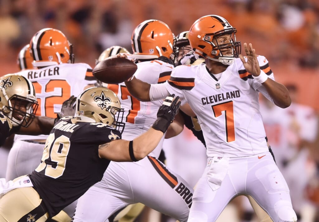 Browns QB DeShone Kizer impresses in NFL debut.