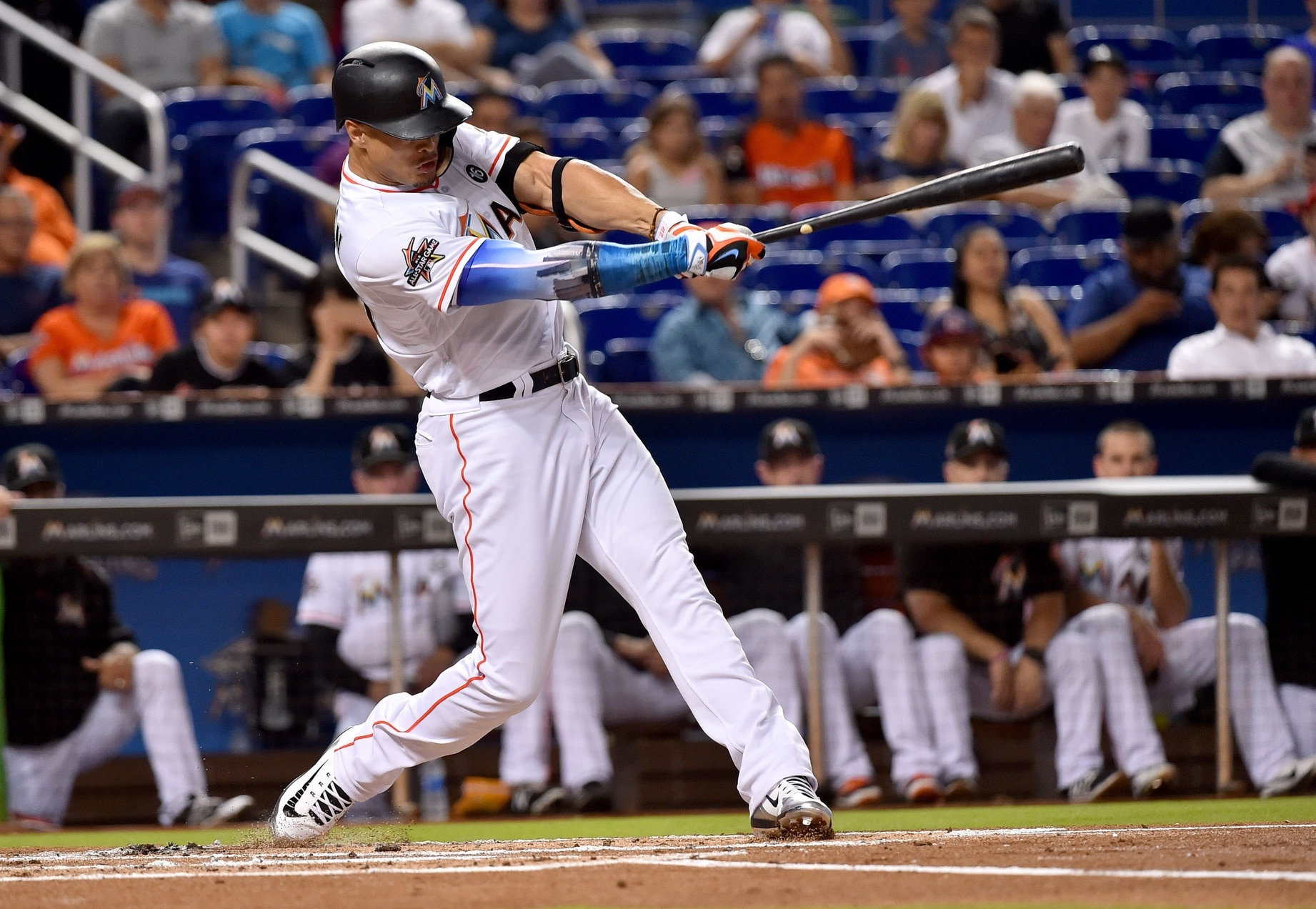 Check out this homer from Giancarlo Stanton.