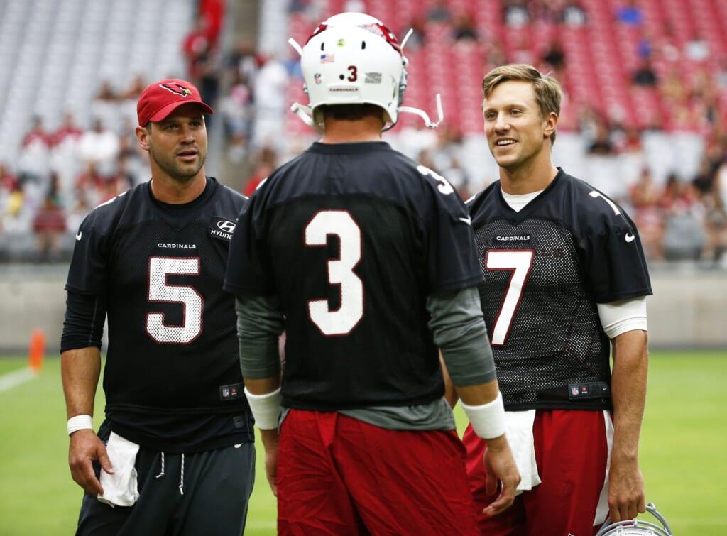 Cardinals quarterbacks Carson Palmer and Blaine Gabbert