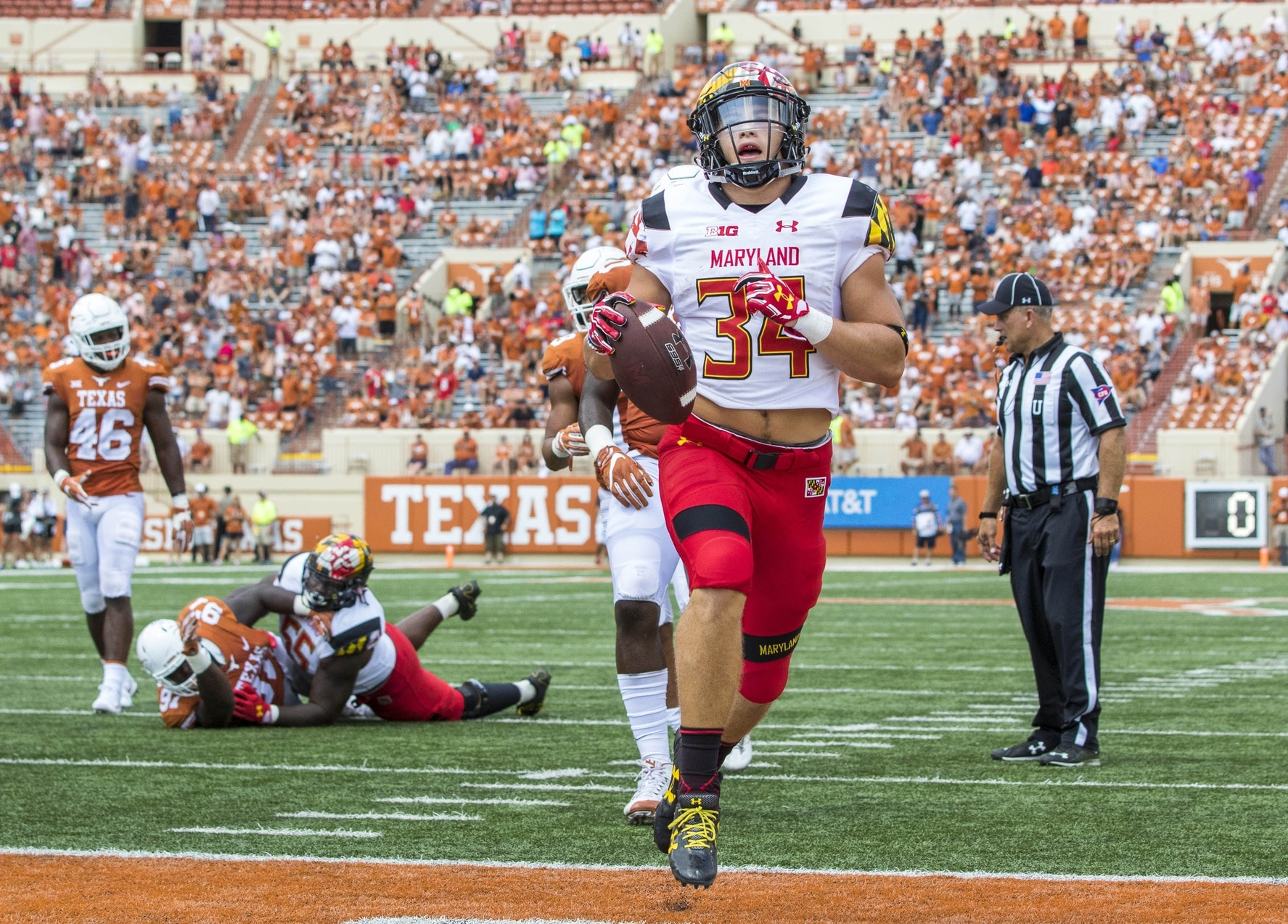 Maryland running back Jake Funk scores in college football Week 1