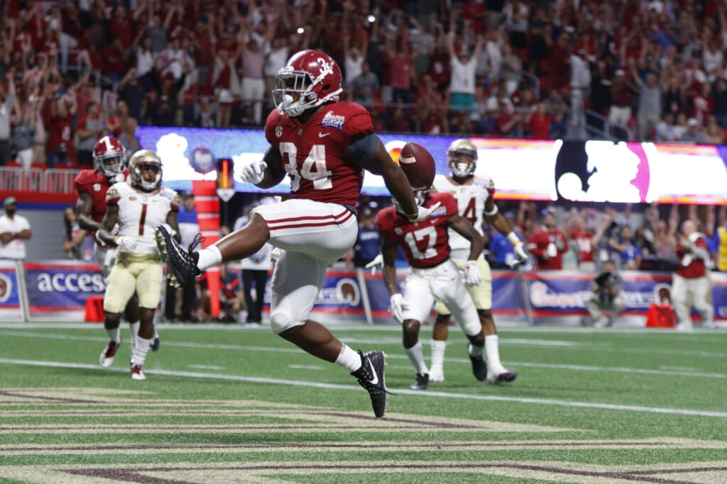 Alabama running back Damien Harris scores a touchdown against FSU in college football Week 1