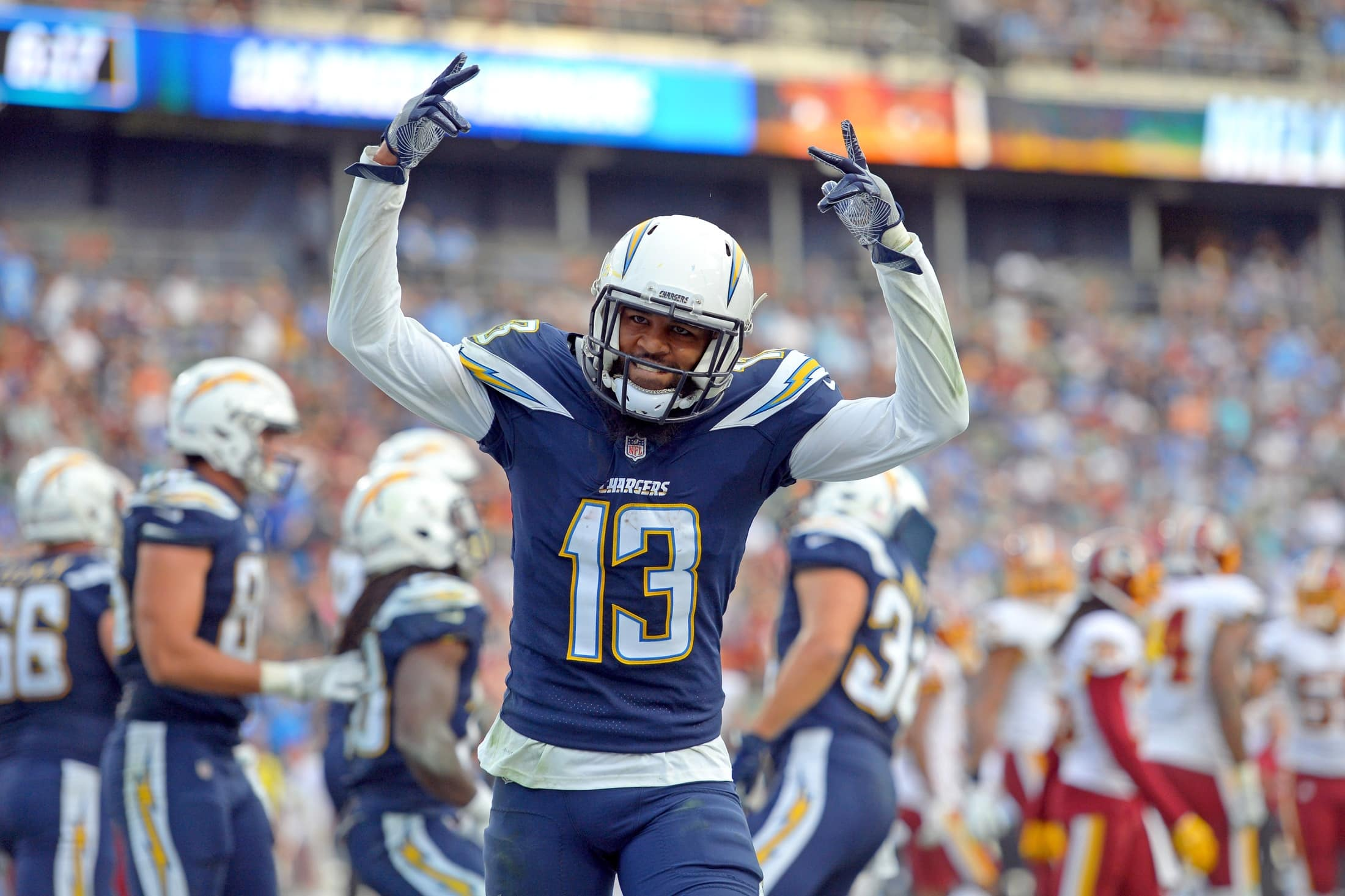 Chargers WR Keenan Allen exits 'TNF' with a hip injury