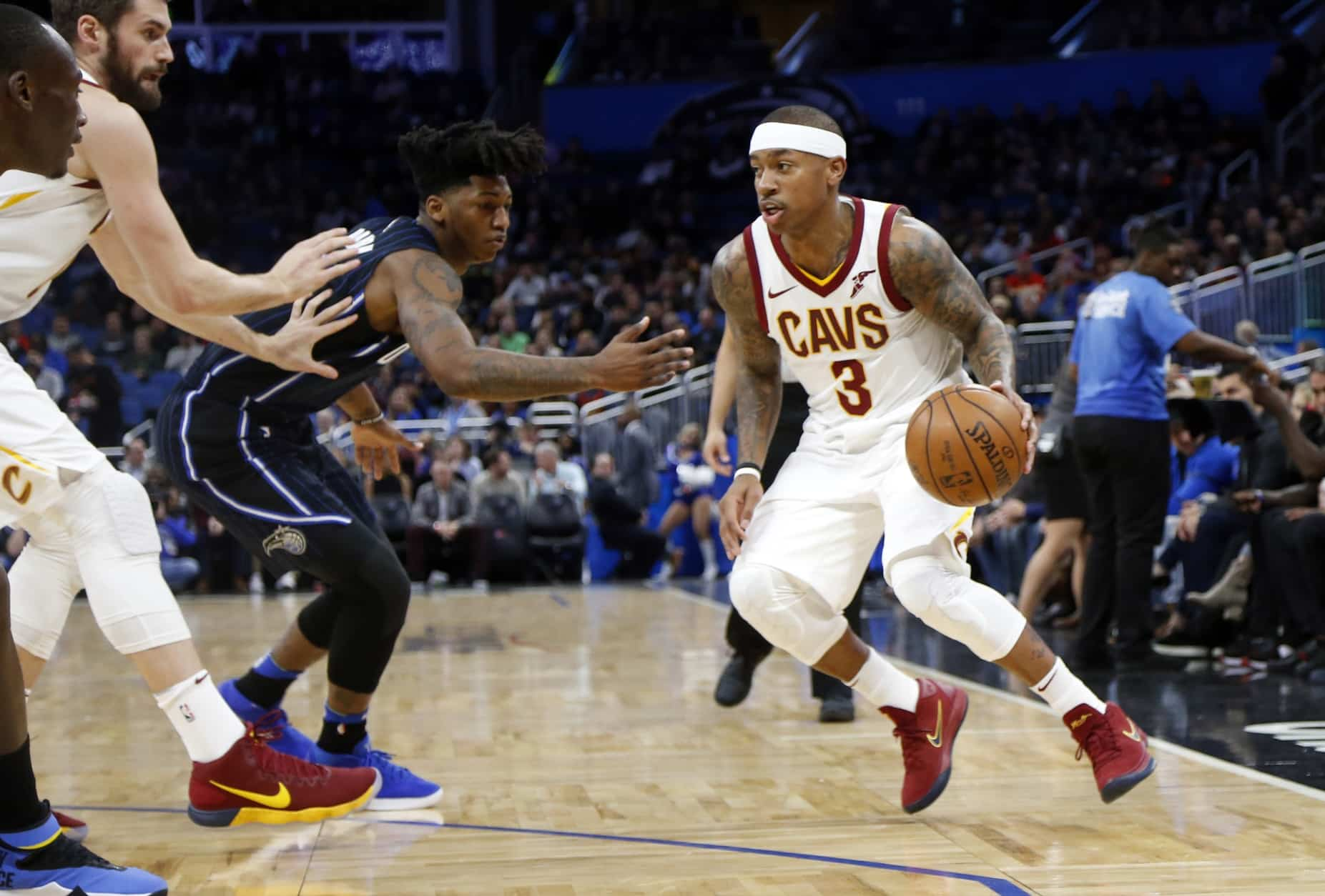 e73fdc5376c Isaiah Thomas  likes  video of Kyrie Irving shooting over LeBron James