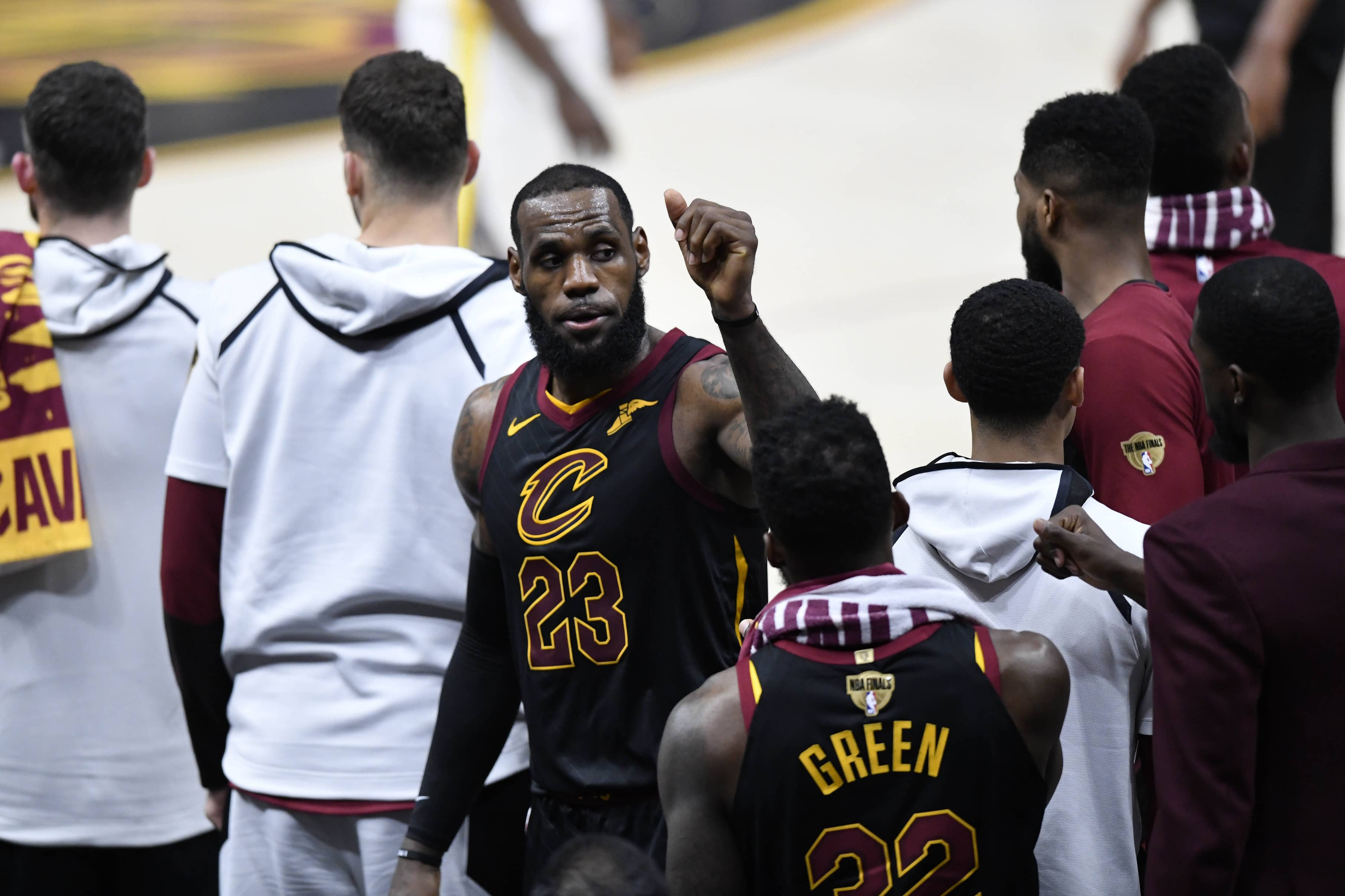 WATCH: LeBron gets standing ovation after potentially final game with Cavs