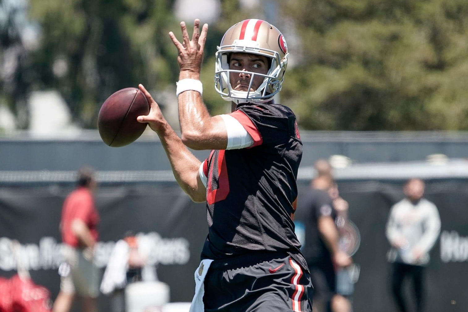 b6070539de8 Kyle Shanahan expects Jimmy Garoppolo to be available for OTAs