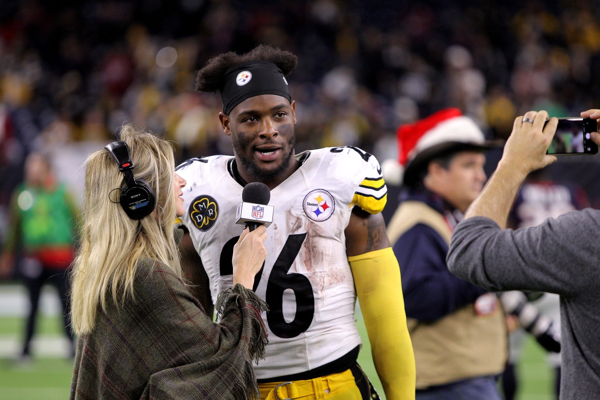 Le'Veon Bell Teases Interest In Playing For 1 NFL Team