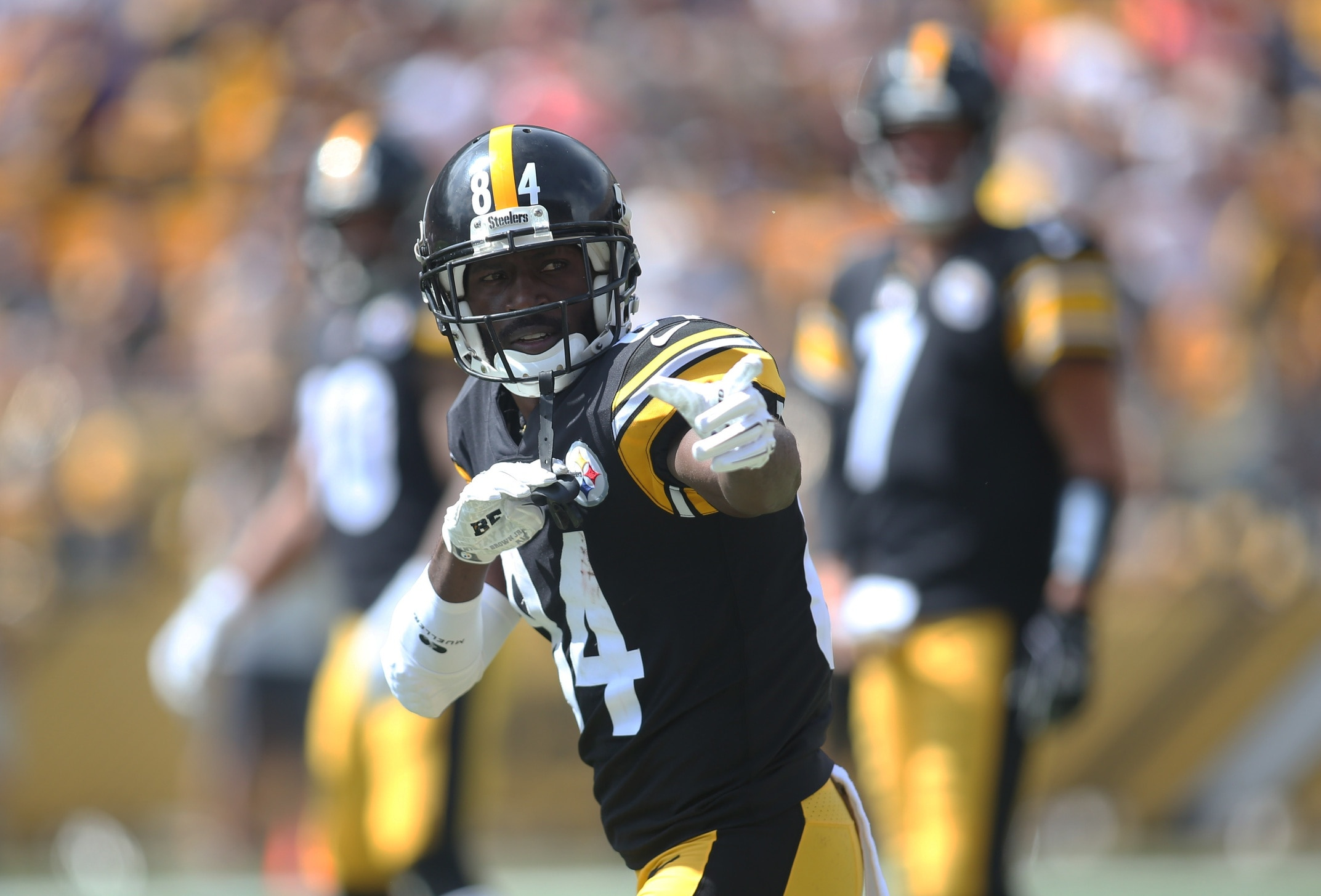 6bd49b03f71 DoneWithYou  Bronny James no longer respects Antonio Brown