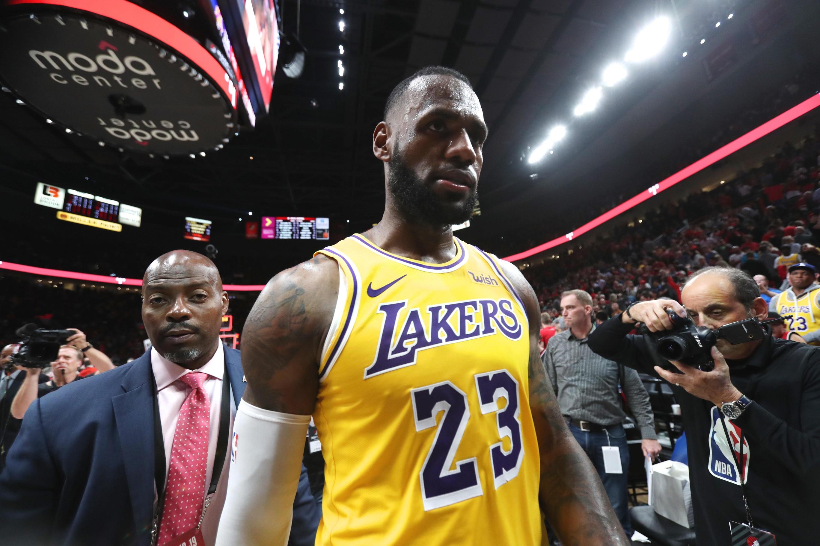 976a8680cf1 Former NBA All-Star blasts LeBron James for GOAT talk