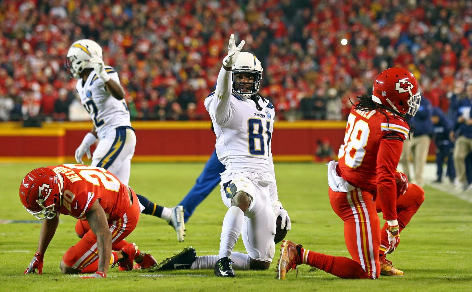 WATCH: Chargers beat Chiefs with dramatic two-point play in final seconds