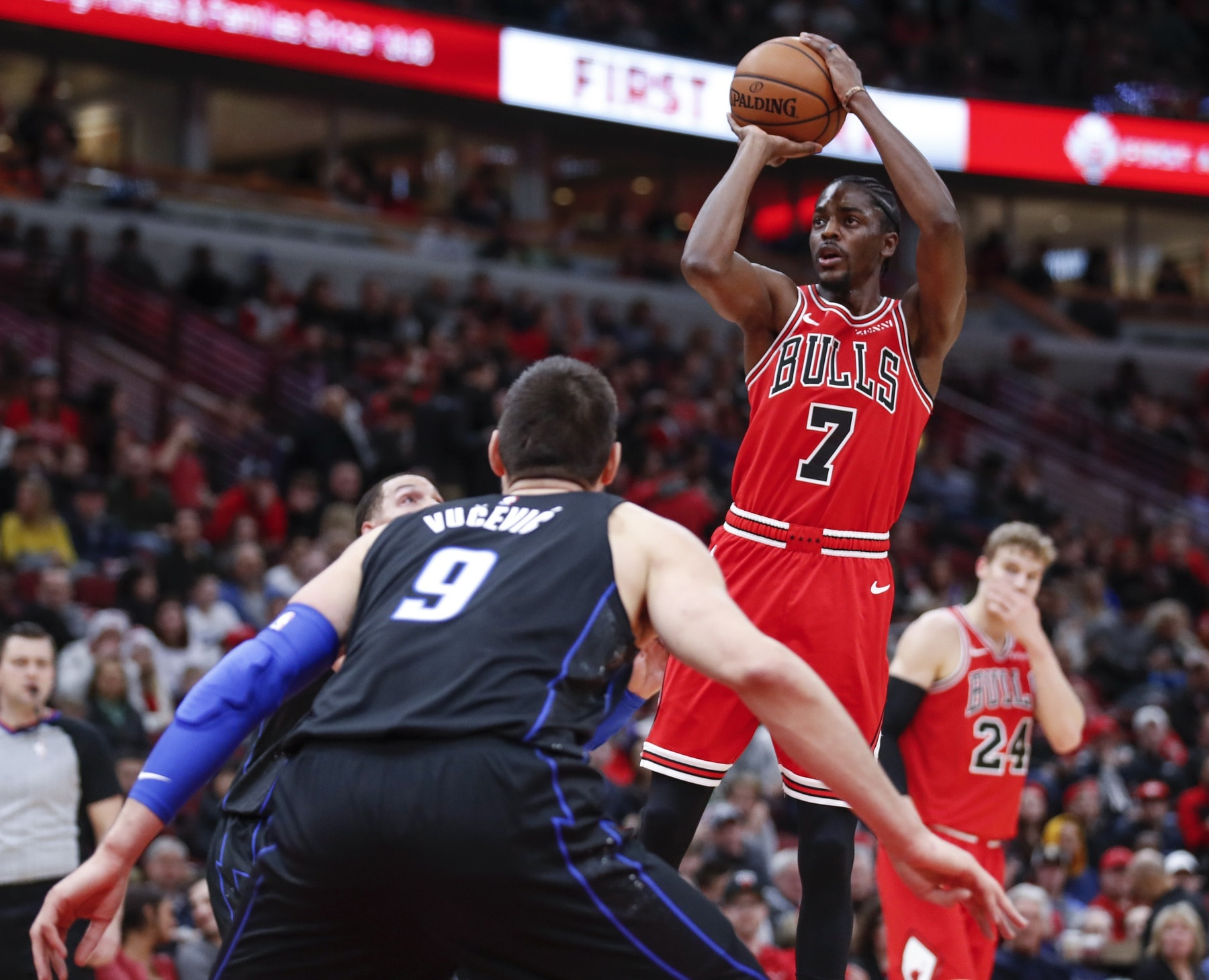 save off af973 a8383 Report: Bulls trade Justin Holiday to Grizzlies for picks ...