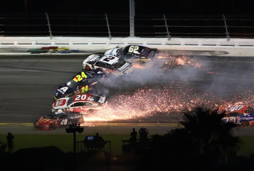 Sports world reacts to Joey Logano wiping out half of Daytona 500 field