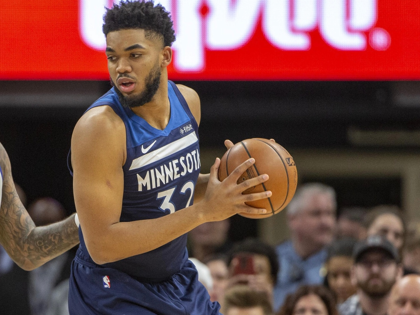 683ce0bdaf6 WATCH  Karl-Anthony Towns dunking all over the Mavericks