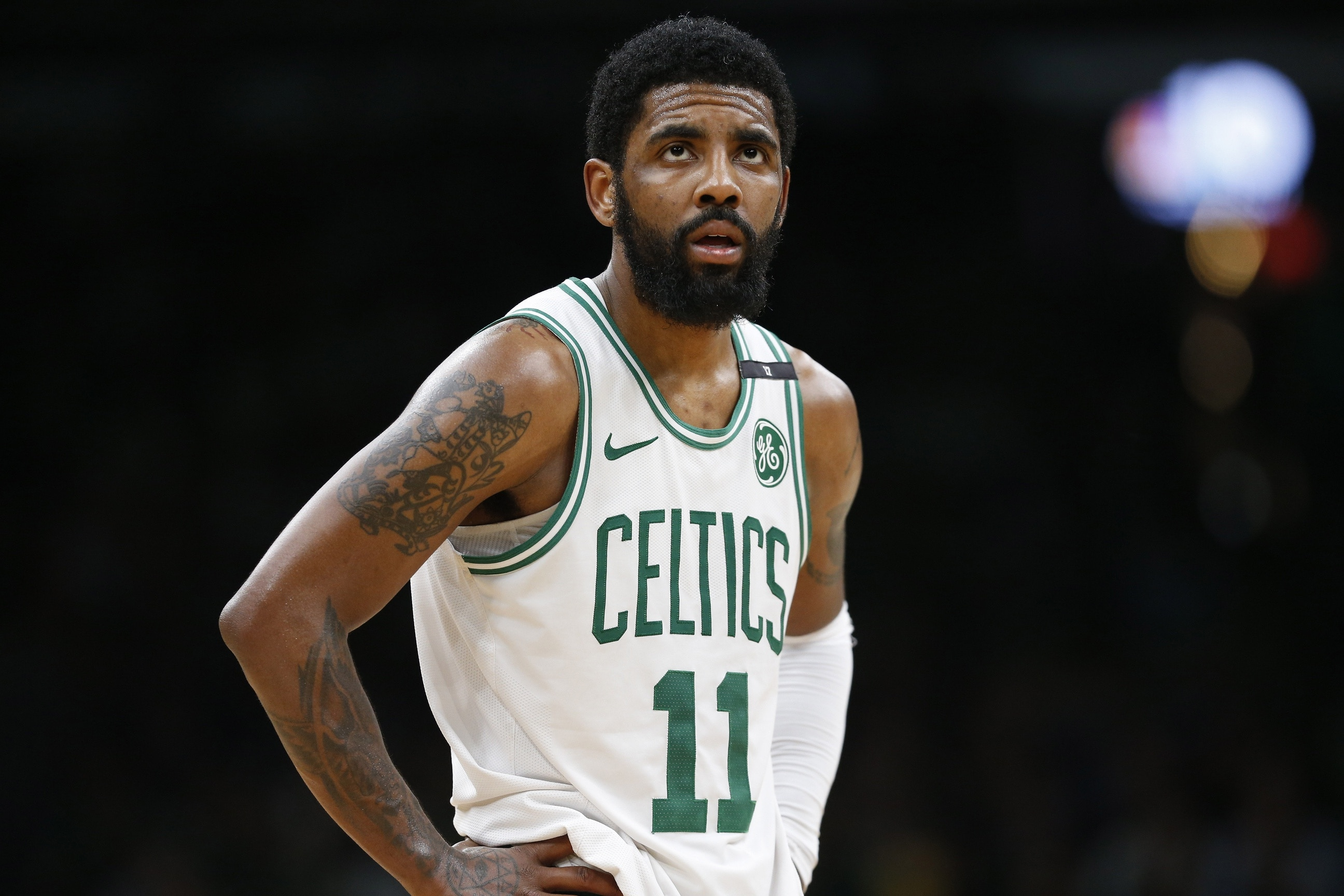 c2f891880c99 Teams becoming wary over signing Kyrie Irving