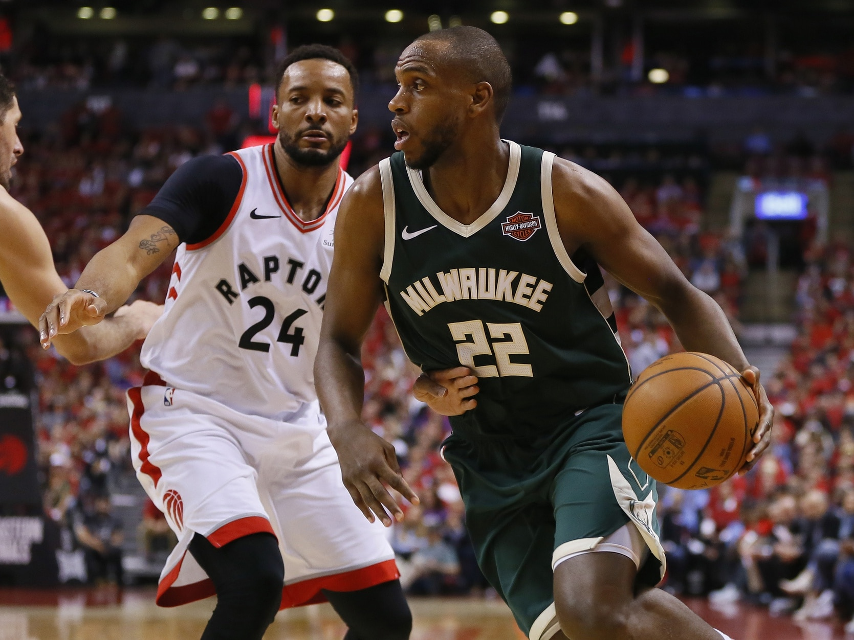 best sneakers 9ac8c 83697 Report: Khris Middleton likely to re-sign with Bucks on max ...