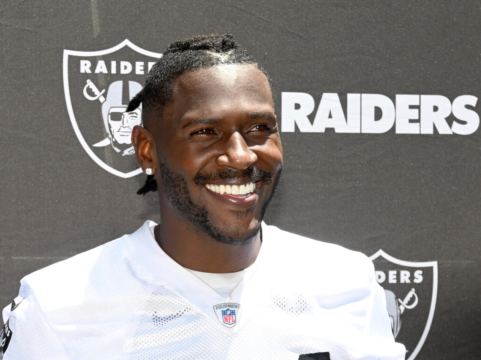 4c1e669a Raiders' Jon Gruden on Antonio Brown: 'I think we're all disappointed'