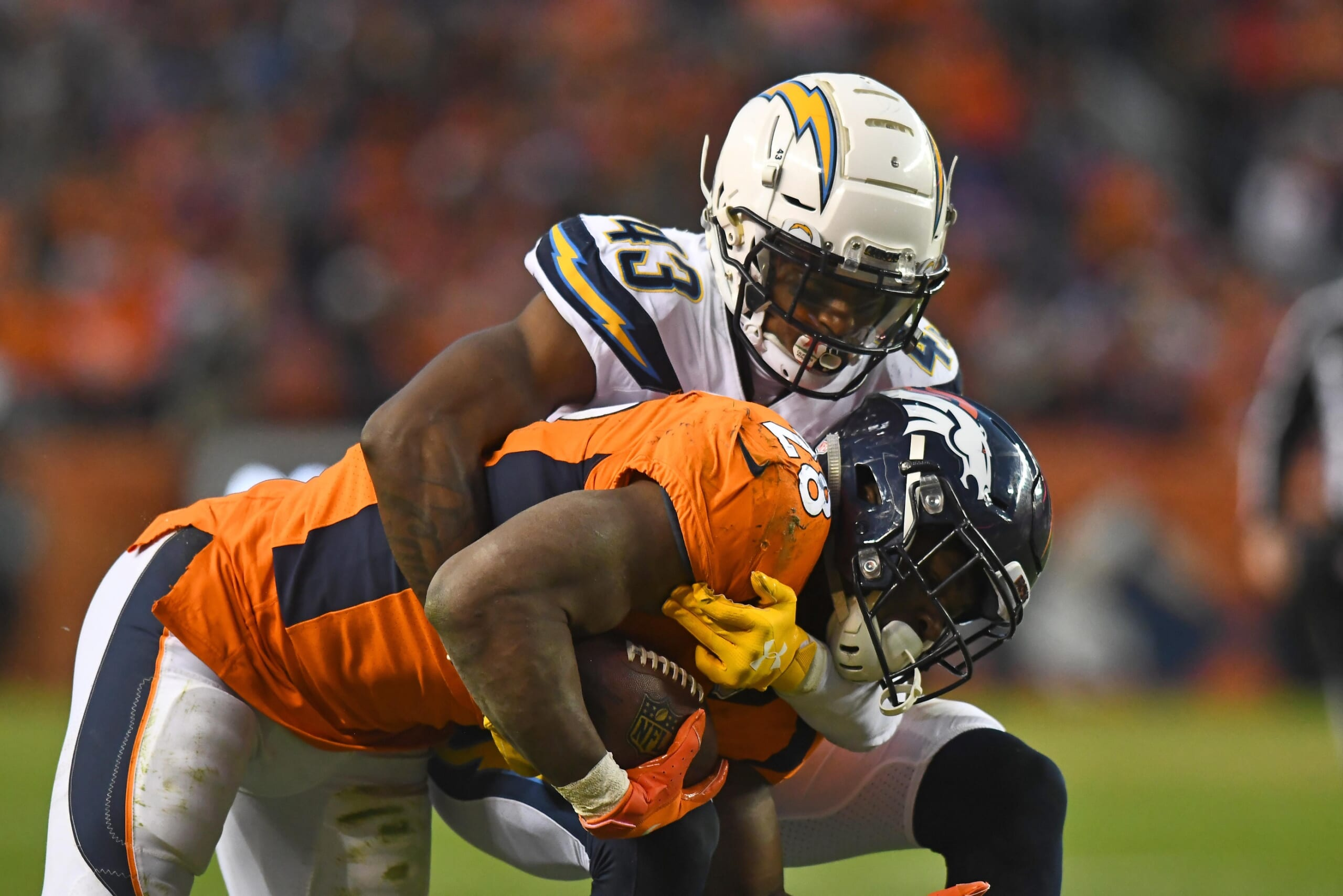 Chargers' Michael Davis suspended two games for substance abuse