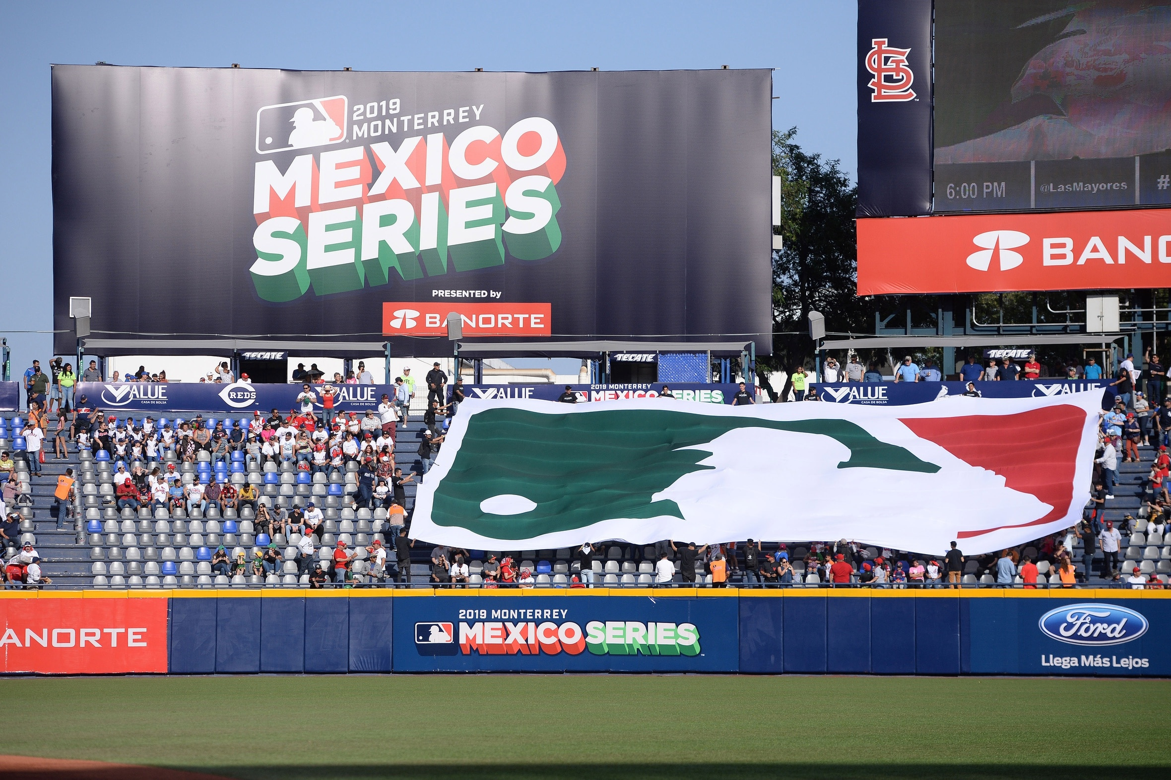 Padres to play 2 games against Diamondbacks in Mexico City