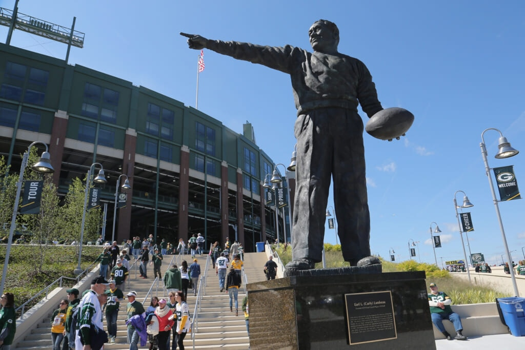 GREEN BAY, WI - SEPTEMBER 14:  General view of Lambeau Field and the Curly Lambeau statue during the game between the Green Bay Packers and the New York Jets at Lambeau Field on September 14, 2014 in Green Bay, Wisconsin.  (Photo by Al Pereira/New York Jets/Getty Images)