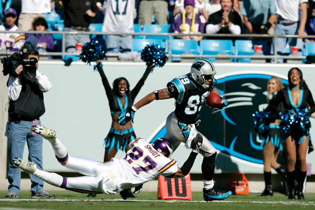 Vikings cornerback Fred Smoot roasted by Panthers receiver Steve Smith
