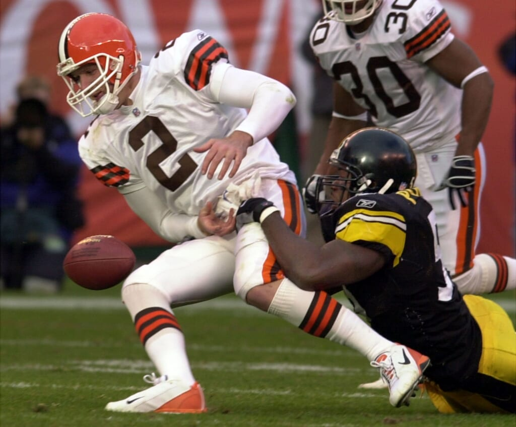 Cleveland Browns Tim Couch fumbles