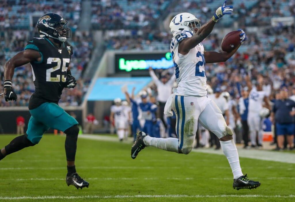 Marlon Macks runs for touchdown against Jacksonville