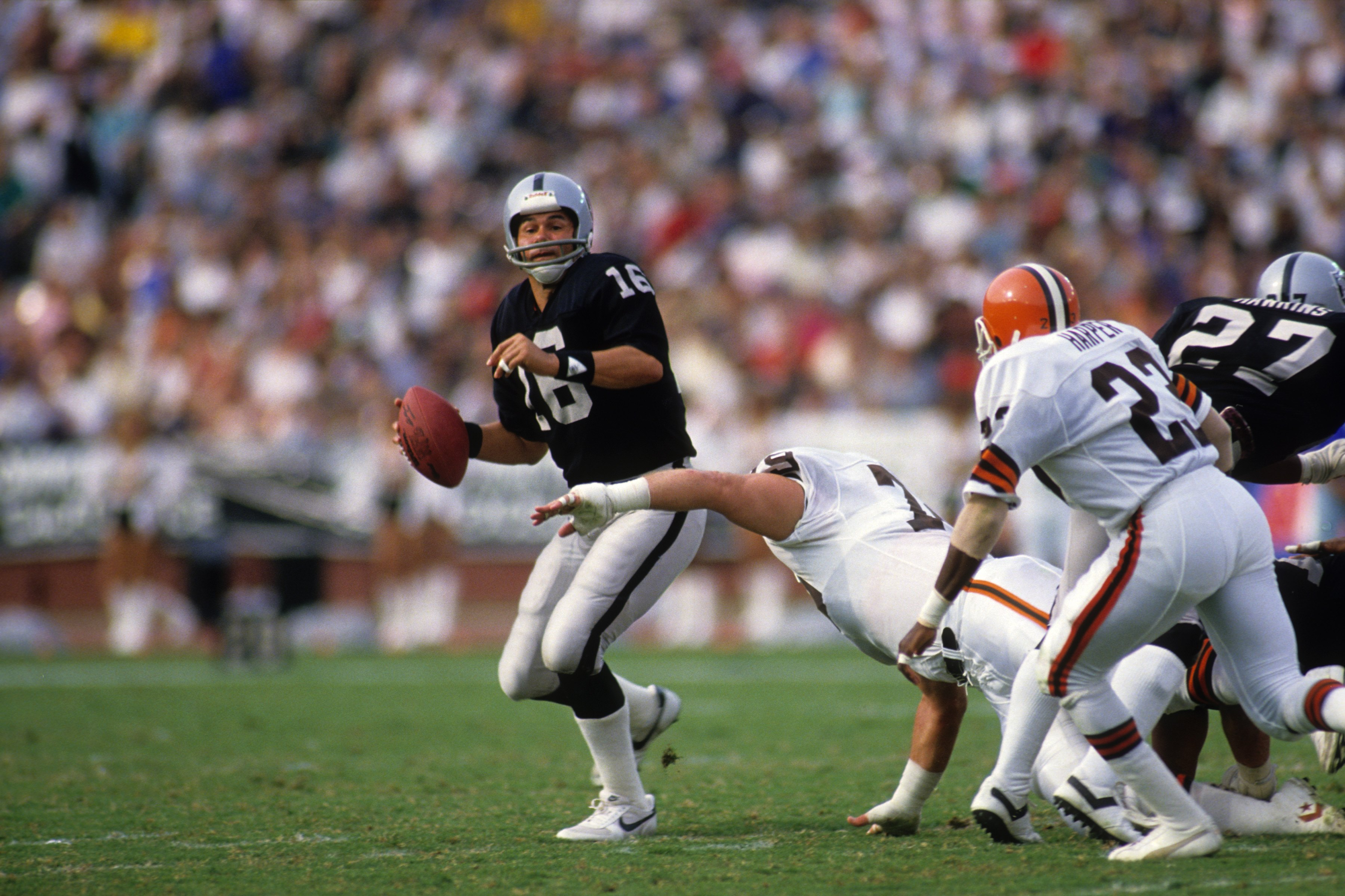 Cleveland Browns vs. Los Angeles Raiders