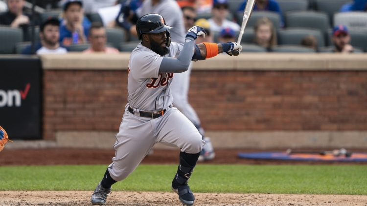 Josh Harrison bats in game against the Mets.