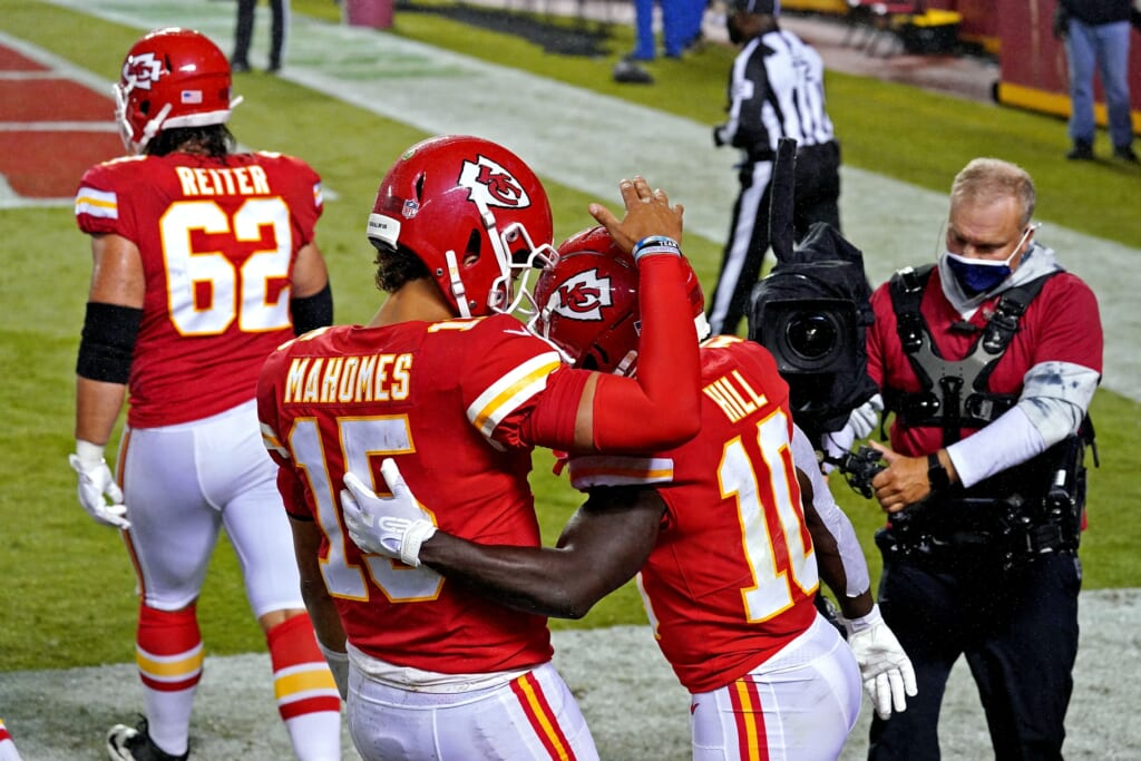 WATCH: Chiefs' Tyreek Hill already putting on a show