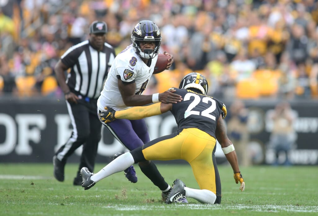 Ravens QB Lamar Jackson during NFL game against the Steelers